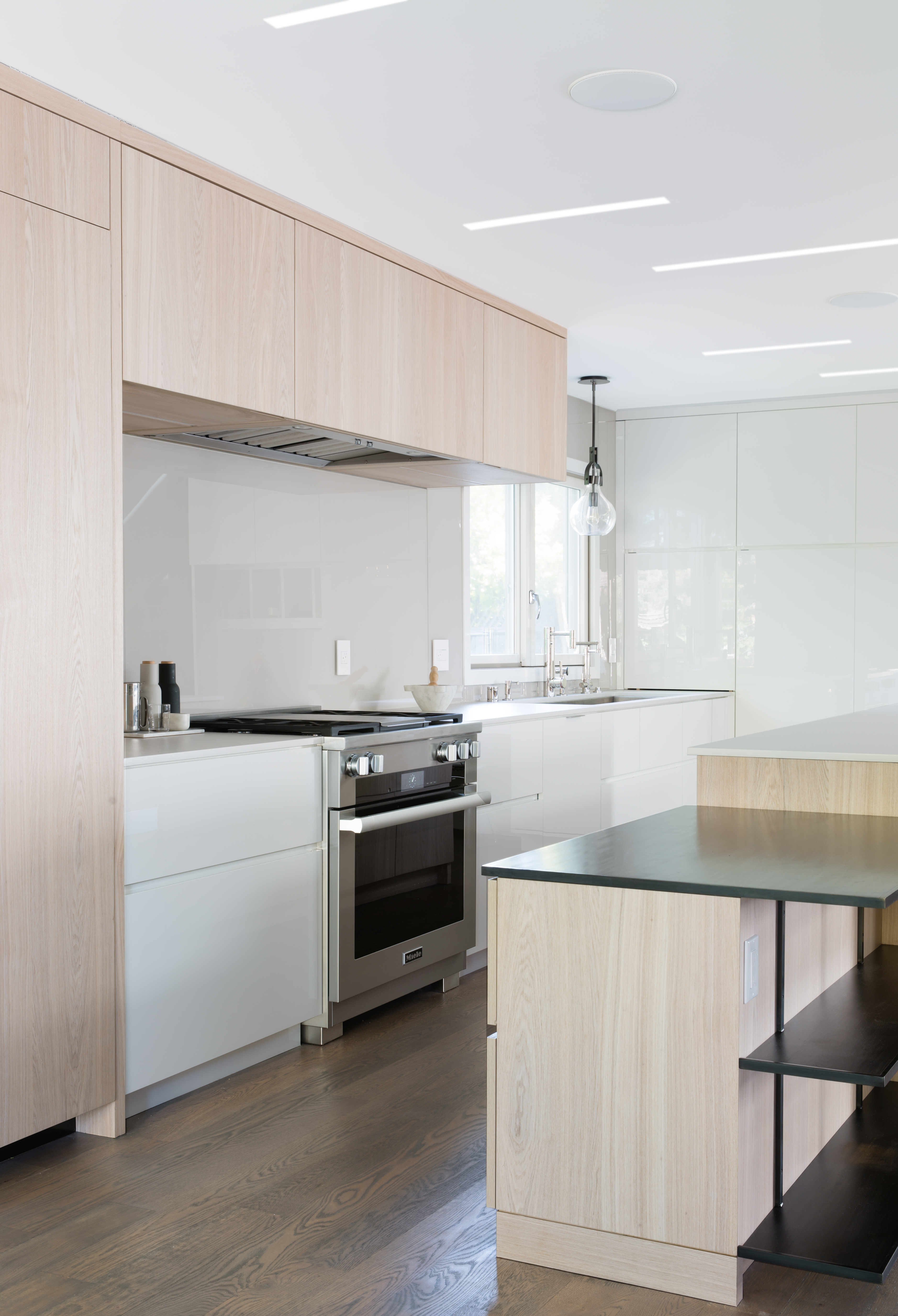 Residential Contemporary Kitchen